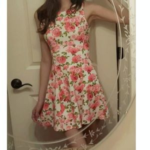 H&M floral skater dress size 4 fits like xs